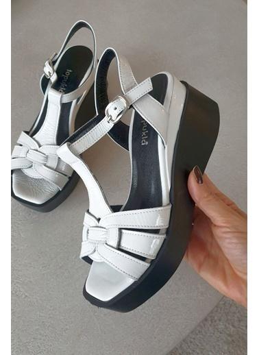 Topukla Ayakkabı Beyaz
